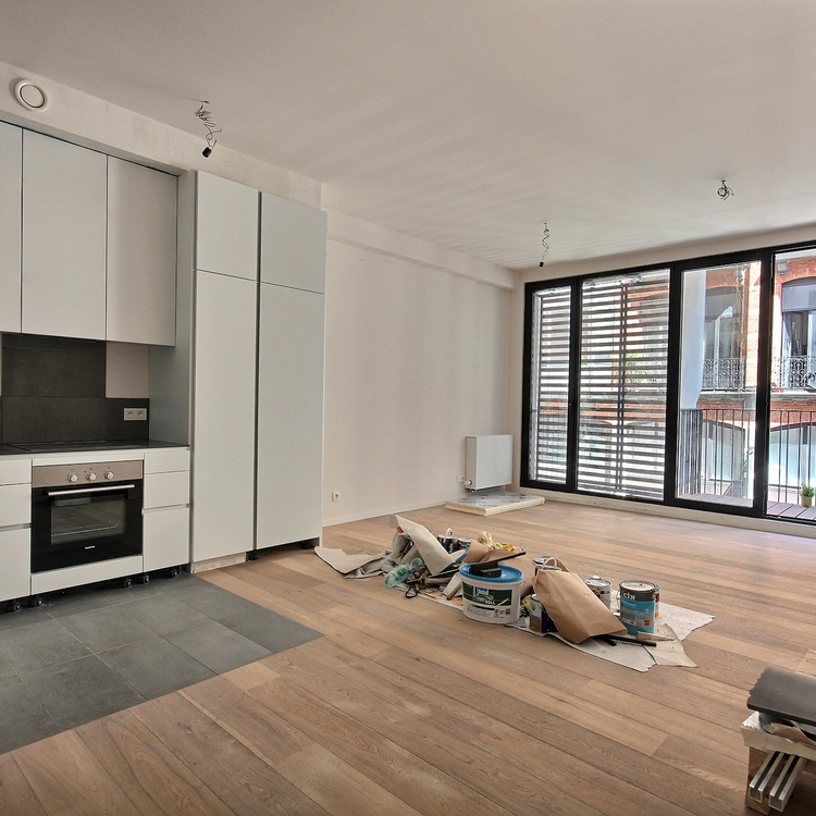 St. Géry neighbourhood: New Design apartment with balcony