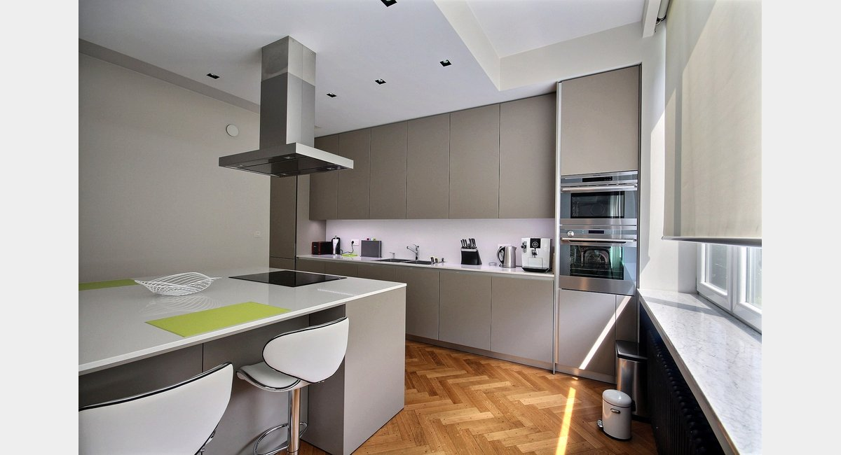 Luxueux appartement 2 chambres design con u par architecte for Appartement design var